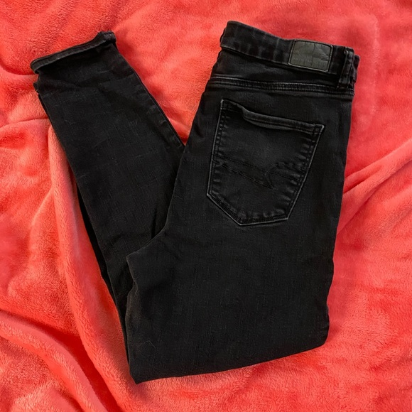AE curvy fit high rise jeans!